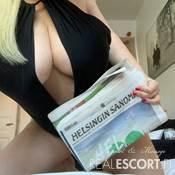 Busty_Julia